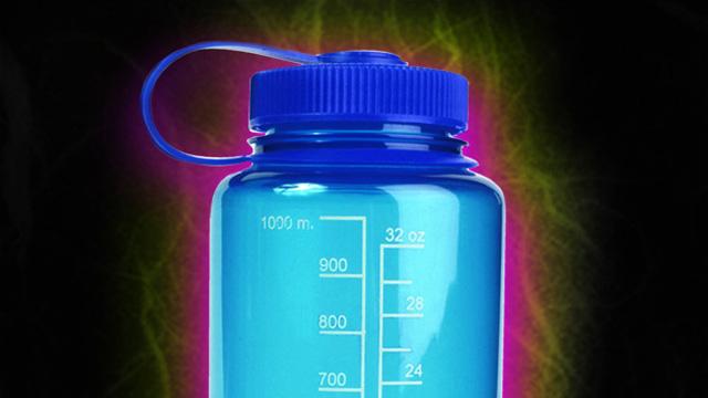 Wasser in Kunstoffflaschen ist stark mit Chemikalien belastet!